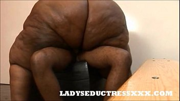 LADYSEDUCTRESSXXX.COM SEXY SSBBW TEACHER FUN