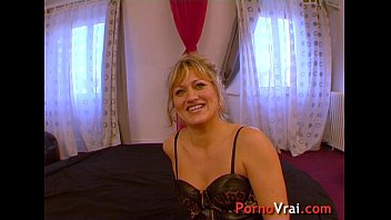 Squirting blonde multiorgasmic exhibitionist slap on ass !! French amateur thumbnail