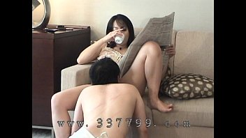 Japanese Mistress dominantly lick pussy to slave.