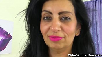 English milf CandyLips pleasures her mature cunt in tights