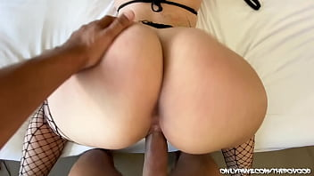 BIG BOOTY GIA PAIGE LOVES DICK