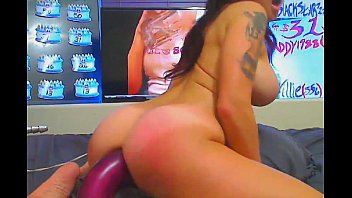 Busty babe rubs her pussy and toys her ass - dirtyadultcams.com