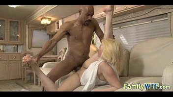 Daughter fucks her black dad 049 Vorschaubild