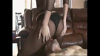 Sarah smothers and feeds her thick orgasm to male slave