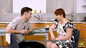 SHAME4K. Mature redhead agrees to get off when friends son visits her 10分钟