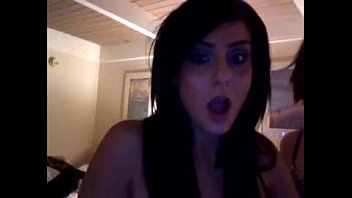 Girls webcam dancing at hotel room