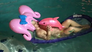 Dolphin sex human - Inflatable pink wig pool tasia