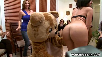 The Muthafucking Dancing Bear in the House! Watch out! (db9376)