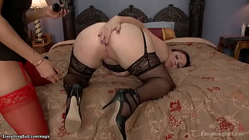 MILF and brunette lesbians anal fucking