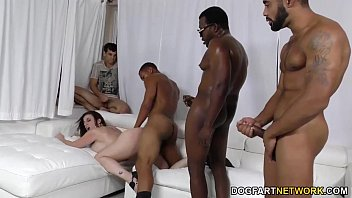 chicas follando con Sara jay gets ganbanged by black dudes in front of her son
