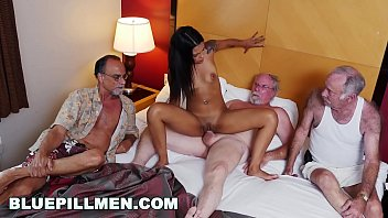 Mens nude Staycation with a latin hottie named nikki kay on bluepillmen bpm15078
