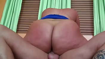 Chunky MILF Slides Her Big Ass Up & Down On A Hard Dick