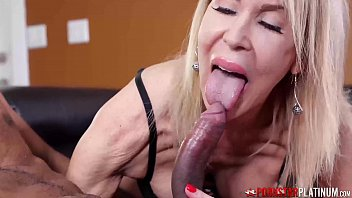 PORNSTARPLATINUM MILF Erica Lauren Blows BBC Before Facial