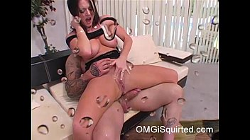 Sophie Dee squirts