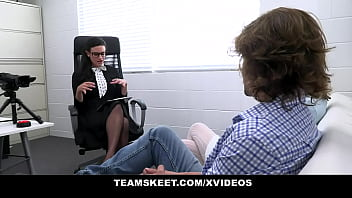 Stepsiblings agree to intense threesome sex therapy session 13 min