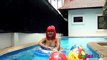 Chubby Thai babe in the pool
