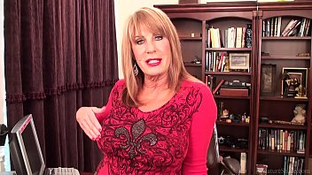 Slutty mature blonde Rae Hart prefers posing and playing with her sissy 13 min