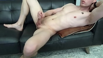 """Dude jerks off thick cock and shows off feet <span class=""""duration"""">6 min</span>"""