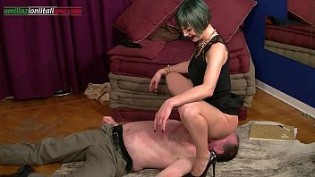 Fetish trample forum - The professionist second part full- trample and facesitting