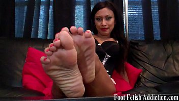 Put my delicious feet in your warm mouth 4 min