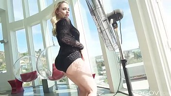 Vogov Deep Anal For A Hot Blonde Mia Malkova With Huge Ass