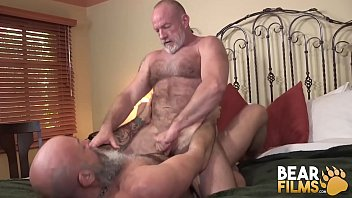 BEARFILMS Nick Maduro Sucked Off And Barebacks Old Cub Hole