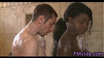 Tatiana Foxx hot shower