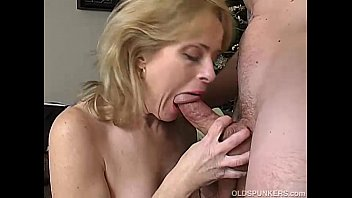 Shoking matures Sexy mature amateur enjoys a long hard fuck