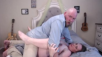 Husband Creampie 24 Weeks Pregnant Wife After Doggystyle Missionary  - BunnieAndTheDude