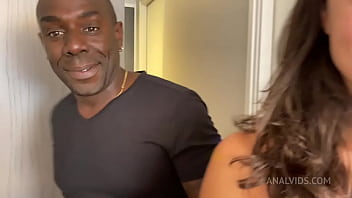 Cuckold fan offered me his young girlfriend's ass and I pee'd in her mouth too (anal interracial piss) JL044 thumbnail