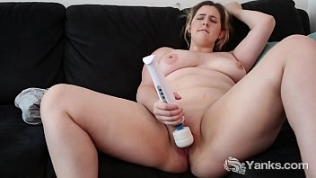 Girls with big breast videos - Chesty yanks mikki mischief masturbates