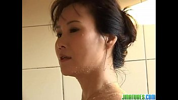 Sweet solo in the bath for Runa 8分钟