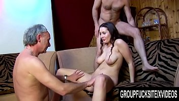 Gorgeous group sex Group fuck site - gorgeous melissa black signs up for a gangbang