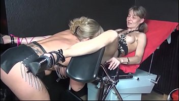 Horny groupies partying 4