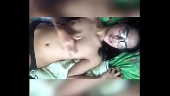 Indonesian teen with glasses masturbate 3 FULL 3PART: https://ouo.io/mg8BbR