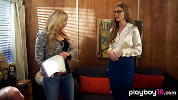 Amateur secretary Anna pleasing the big cocked boss in the office