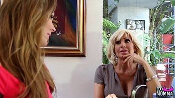 Sexymomma - Young Slut Scissoring With Experienced Stepmom