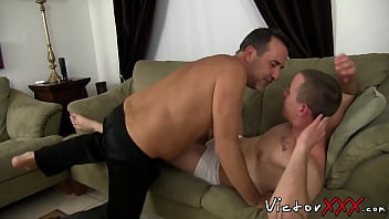 Gay young and old Good looking guy has hardcore bareback sex with mature dude