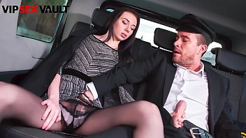 VIP SEX VAULT - That Brunette Just Start To Blow That Guy And She Even Let Him To Fuck Her - Liz Heaven