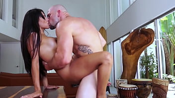 BANGBROS - Latin Housewife Soffie Gets Her Big Ass Fucked By Jmac