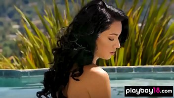 Hot latina Reyna Arriaga shows off her natural beauty
