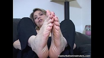 Black girl joi to her feet-25625