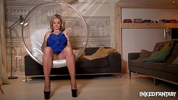 Tattooed dream girl Maisie Rain fills her afternoons with orgasmic action thumbnail