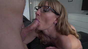Milf cocksucker – Cum lover. Contactless blowjob in glasses. Close up
