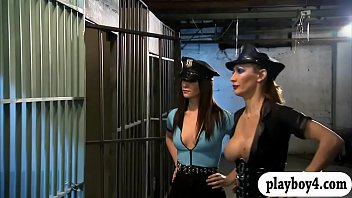 Two superb women fourway in the jailcell