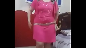 Arab Egyptian mom Dancing - To watch and download on the following link    http://taraa.xyz/1ifV