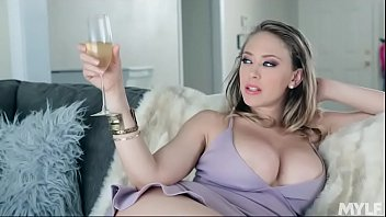 Streaming Video Stepmom's Huge Exposed Titties - XLXX.video