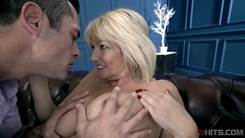 Mature Lady Pussyfucked