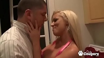 Horny Housewife Bangs The Pizza Guy