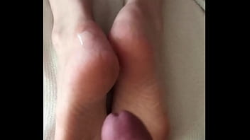 Cumshot on feet